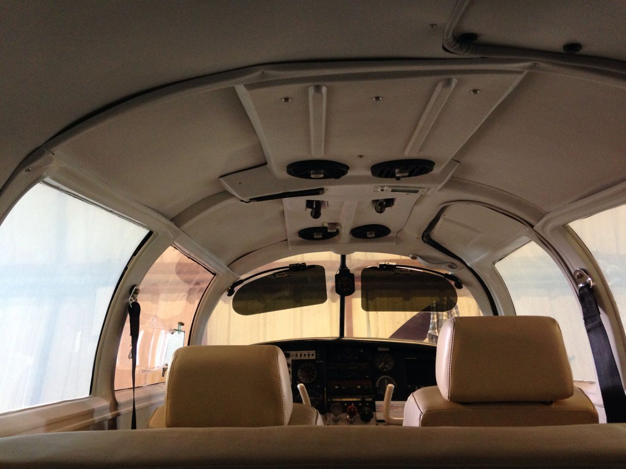 N5976Q Spatial Interior