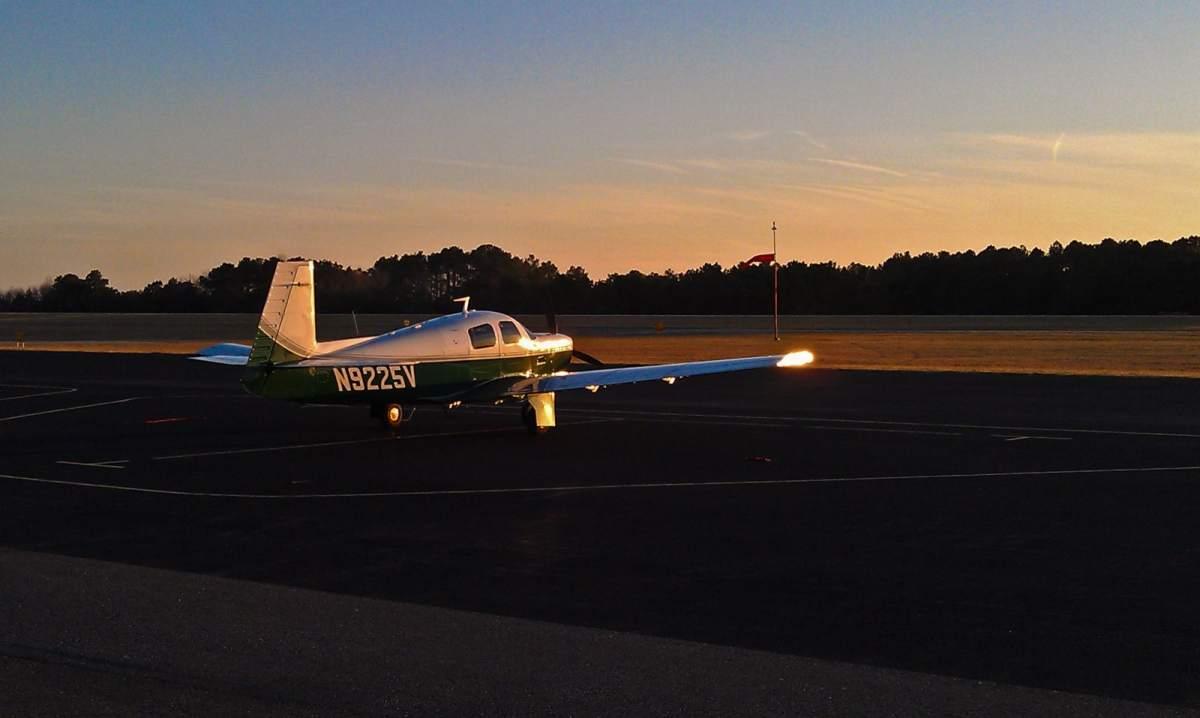 N9225V OXB ramp sunset