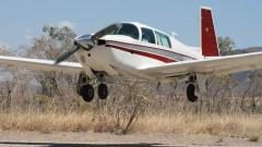 N201CM landing at Emma Gorge Western Australia
