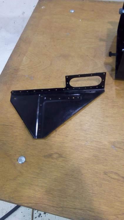 Battery box tail left bracket.jpg